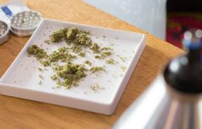 vaporizing-medical-marijuana_d